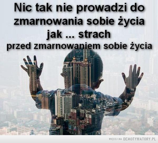 Strach –