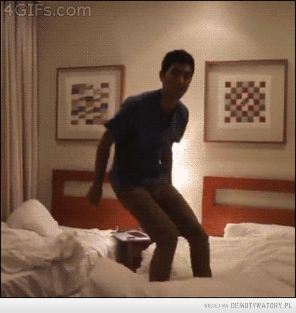 Jak szybko zdjąć spodnie –