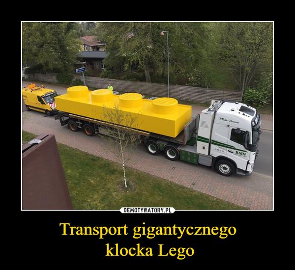 Transport gigantycznego klocka Lego –